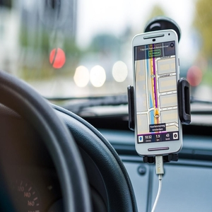 How Smartphones Can Improve Traffic Safety